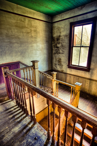 shadow house broken window georgia flickr decay nolan cotton staircase plantation tread hdr trespassing plantationhouse stairrail bostwick balusters omot nolanhouse newels jonathanrobsonphotographycom viapixelpipe
