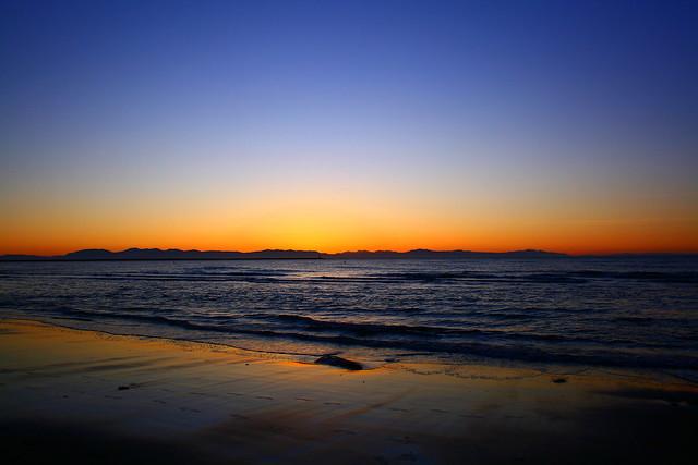 Wreck beach- horizon on fire