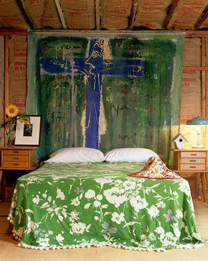 Finally a how to how to make a tapestry headboard on the for Deco chambre jeune homme