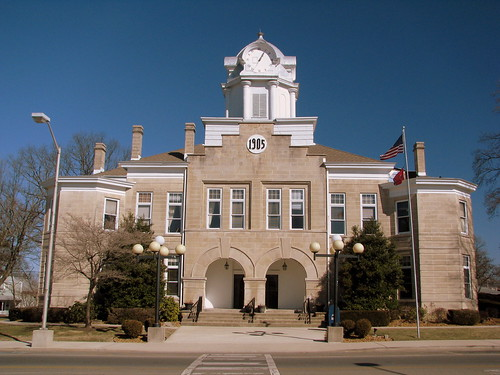 Cumberland Co. Courthouse 3: full straight view