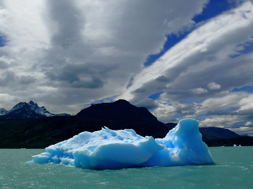 blue mountain water argentina iceberg