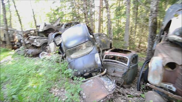 Båstnäs Vehicle Graveyard (Video)