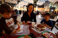 mall meal for the grandsons    MG 2759