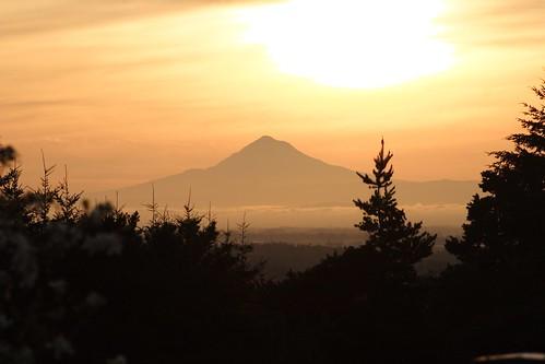 oregon sunrise hopewell mounthood