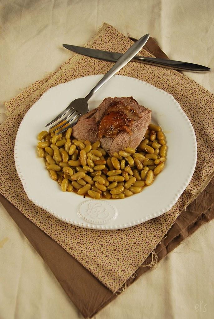 Gigot d'agneau au four à l'ail et romarin