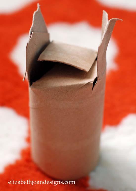 Start Plants in Toilet Paper Rolls 3