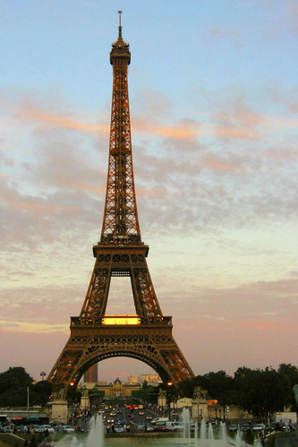 10PM, sundown at Eiffel