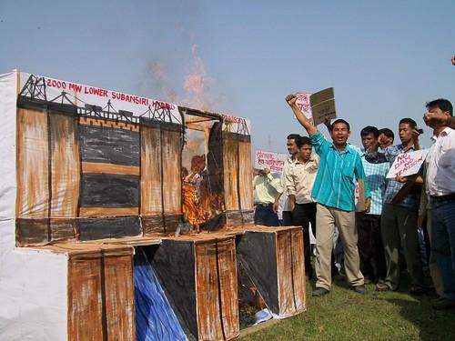 印度建壩爭端:聾子的對話