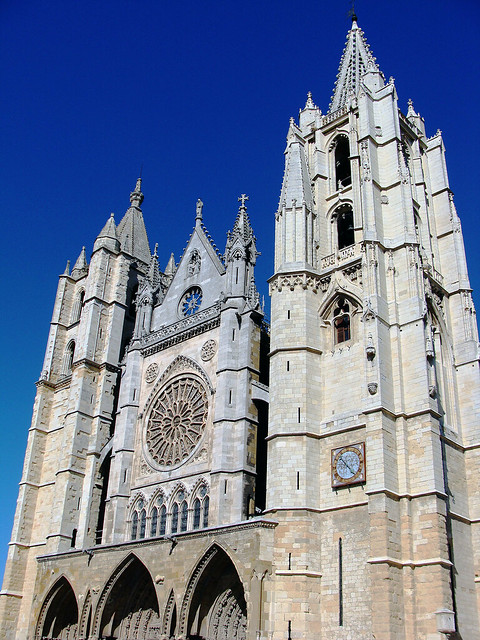 Awe-inspiring architecture of León Cathedral