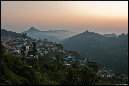 travel india sunrise canon kitlens tamilnadu kodaikanal hillstation coakerswalk otw supershot canoneos400d canondigitalrebelxti march2009 canon1855mmf35to56is sunrisefromcoakerswalk