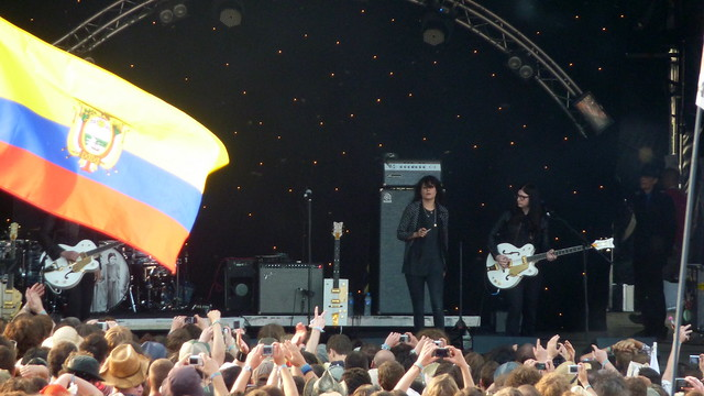 Header of Alison Mosshart