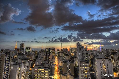 city sunset pordosol cidade brazil sky urban cloud sol brasil skyline sunrise canon downtown do saopaulo sãopaulo centro 5d canon5d 24mm paulo nuvem ceu são por hdr guto paulista magalhães gutooo gutomagalhães