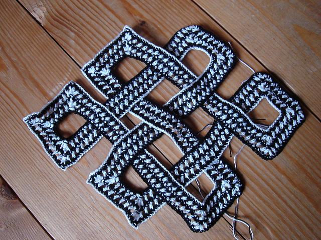 tibetan knot, Sony DSC-L1
