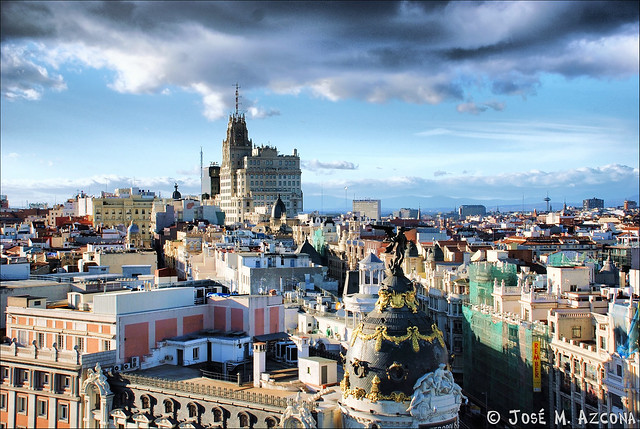 Madrid. Tejados desde el Circulo de Bellas Artes.