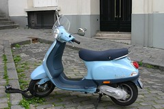 bumper(0.0), scooter(1.0), moped(1.0), vespa(1.0),