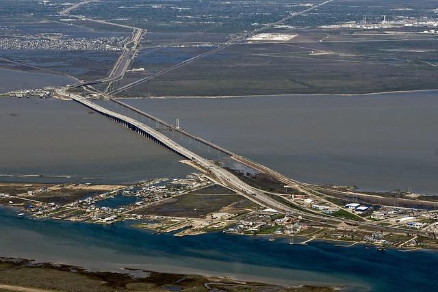 how tall is galveston bridge