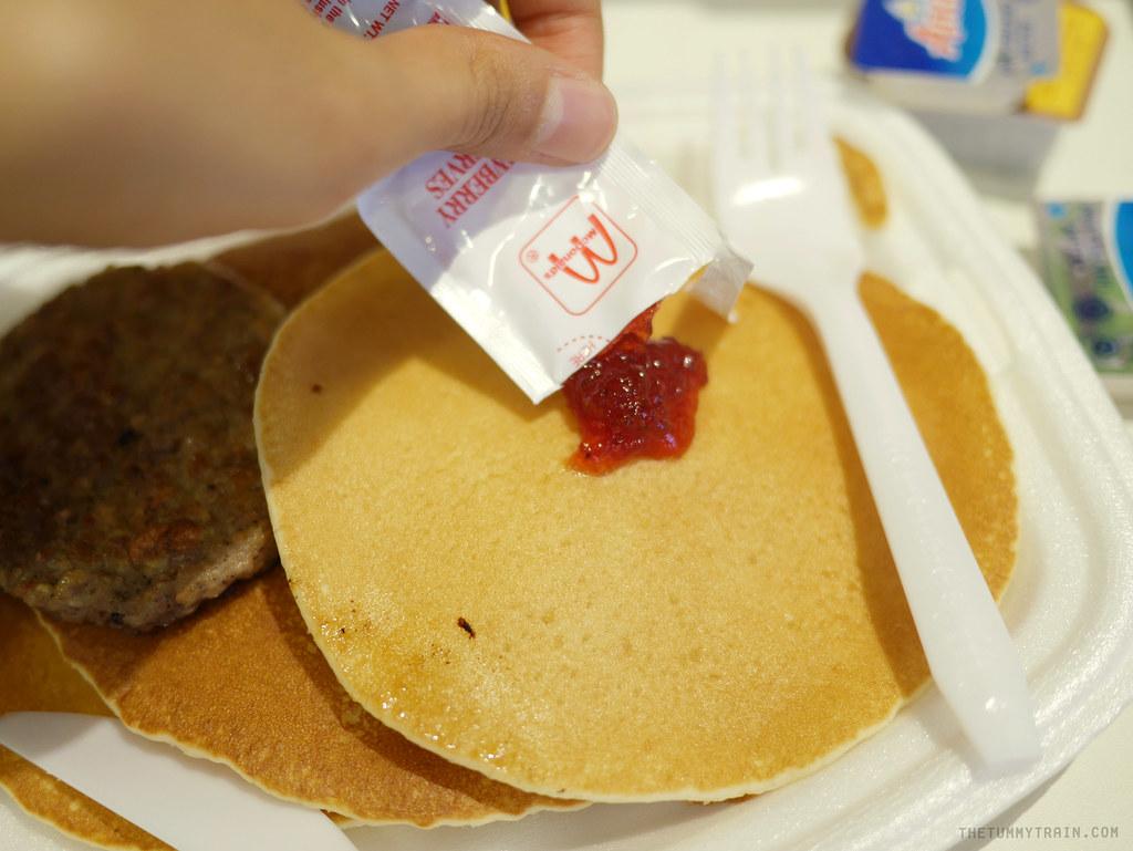 12987553894 61ce581fc2 b - Say hooray for Breakfast!