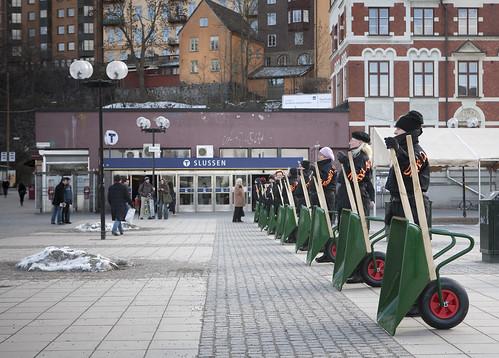 Women With Wheelbarrows
