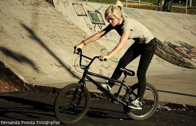 bmx and girl wallpaper - photo #25
