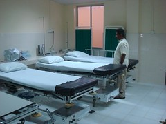 operating theater(0.0), hospital(1.0), building(1.0), furniture(1.0), room(1.0), medical(1.0),