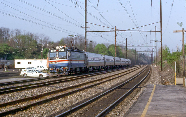 19920502 05 Amtrak Big Apple, Downingtown, PA