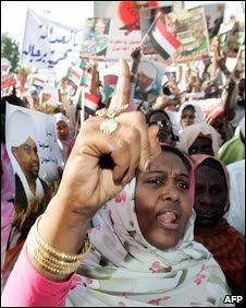 Thousands of Sudanese have demonstrated in support of President Omar Hassan al-Bashir in the aftermath of the warrant issued for his arrest by the ICC. by Pan-African News Wire File Photos