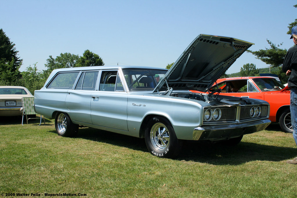 1966 Dodge Coronet Wagon