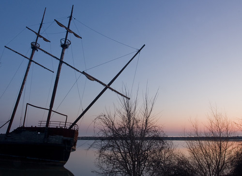 lake ontario sunrise harbour jordan pirateship 1740l yarrrrr canon40d