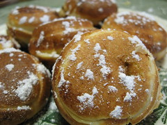 baking, sufganiyah, baked goods, poffertjes, profiterole, food, dish, dessert, pä…czki, cuisine, beignet, snack food, powdered sugar,