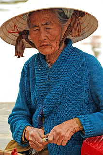 Vietnam_0952 - Lady and Hat