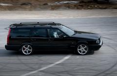 model car(0.0), compact car(0.0), sedan(0.0), hatchback(0.0), automobile(1.0), automotive exterior(1.0), sport utility vehicle(1.0), wheel(1.0), vehicle(1.0), automotive design(1.0), volvo v70(1.0), bumper(1.0), land vehicle(1.0), luxury vehicle(1.0),