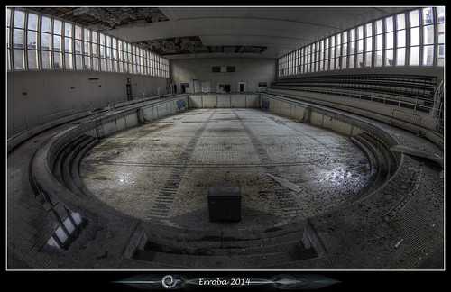 Swimming pool fisheye :: Urbex