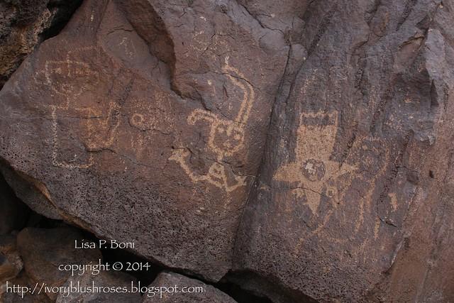 Petroglyph NM glyphs 02