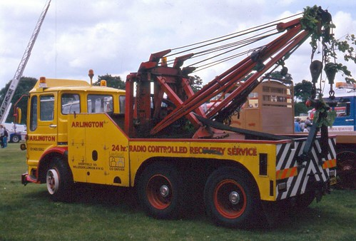 Arlington Motors - Wrecker with Holmes recovery equipment