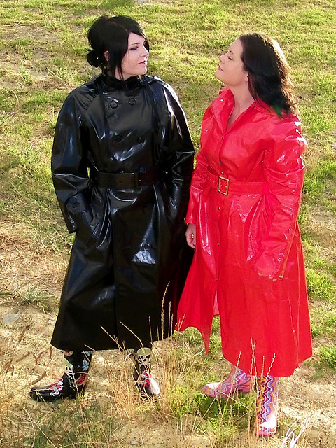 Latex Rainwear http://www.flickr.com/photos/reenjasman/3559449072/