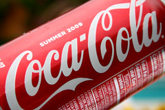 plant(0.0), food(0.0), soft drink(1.0), red(1.0), carbonated soft drinks(1.0), produce(1.0), drink(1.0), cola(1.0), coca-cola(1.0), brand(1.0),