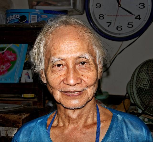 Saigon. Philippe chez lui, le 23 décembre 2008, à 11.20 heures