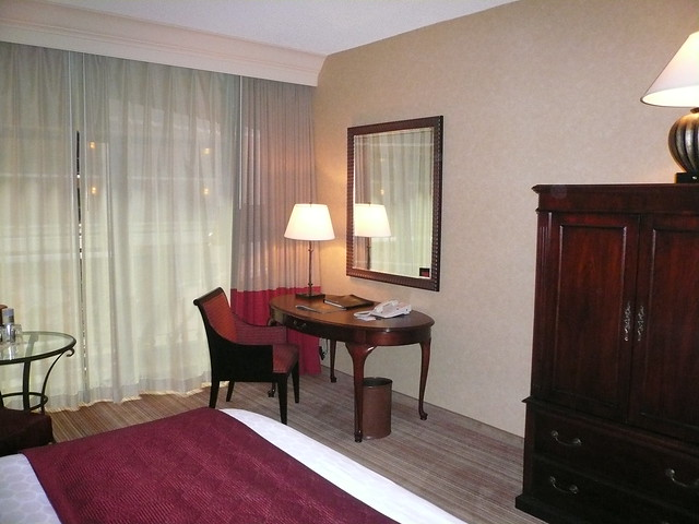 Desk Renaissance Marriott Austin Texas
