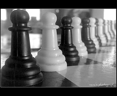 chessboard, indoor games and sports, sports, tabletop game, monochrome photography, games, monochrome, chess, black-and-white, black, board game,