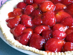 strawberry pie, berry, strawberry, baked goods, frutti di bosco, tart, fruit, food, dish, dessert,