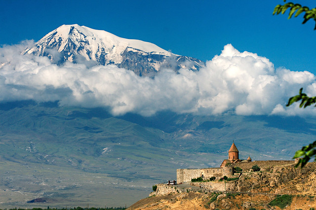 Խոր Վիրապ վանք / Khor Virap Monastery and Mount Ararat,Armenia
