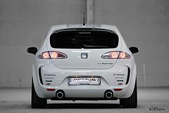 seat altea(0.0), renault mã©gane(0.0), automobile(1.0), automotive exterior(1.0), vehicle(1.0), automotive design(1.0), bumper(1.0), seat leã³n(1.0), land vehicle(1.0), hatchback(1.0),