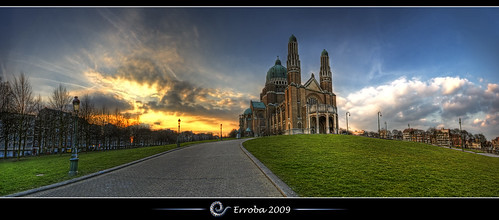 blue sunset brussels sky panorama orange green church grass yellow clouds photoshop canon rebel big heart belgium belgique basilica tripod belgië bruxelles sigma tips sacred huge remote artdeco 1020mm erlend brussel hdr basilique cs3 basiliek 3xp photomatix koekelberg enourmous tonemapped tonemapping xti 400d nocathedral erroba robaye erlendrobaye —obramaestra—