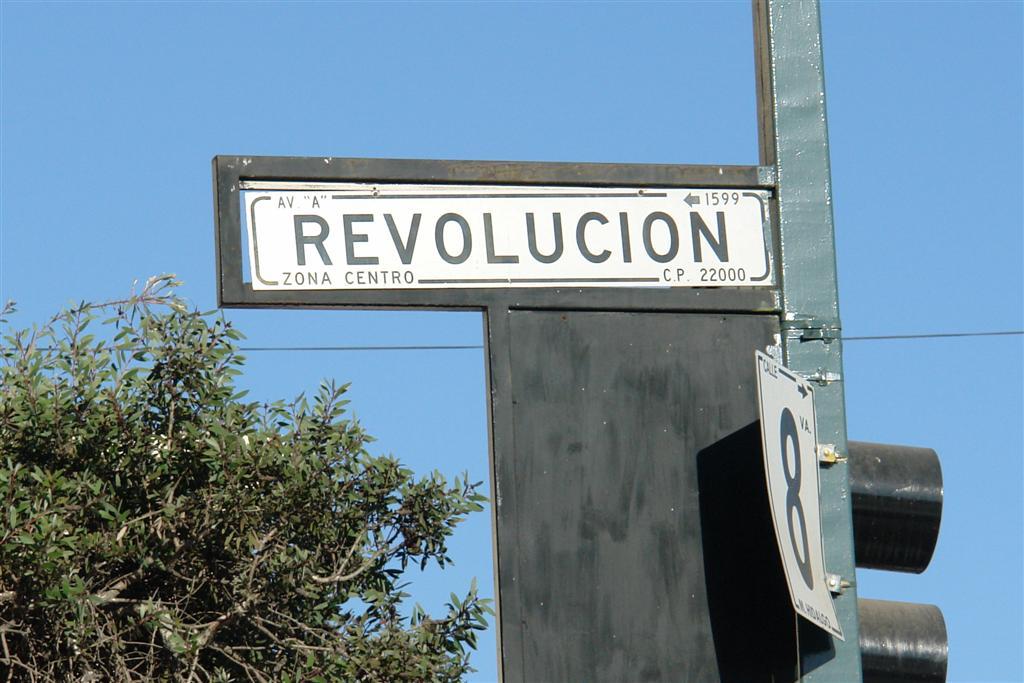 """Famosa y concurrida Avenida Revolución de Tijuana tijuana - 3360315166 741614ae78 o - Tijuana, La ciudad frontera con """"otro mundo"""""""