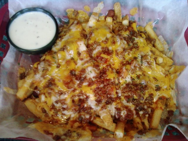 Chili cheese fries with bacon