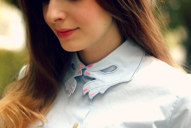Vivetta Collar Hands