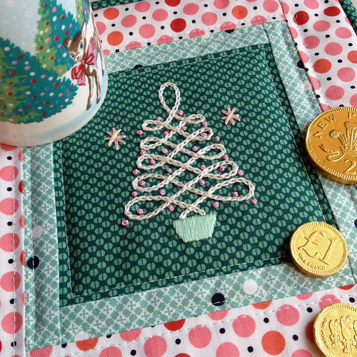 Retro Christmas Tree Mug Rug Tutorial!