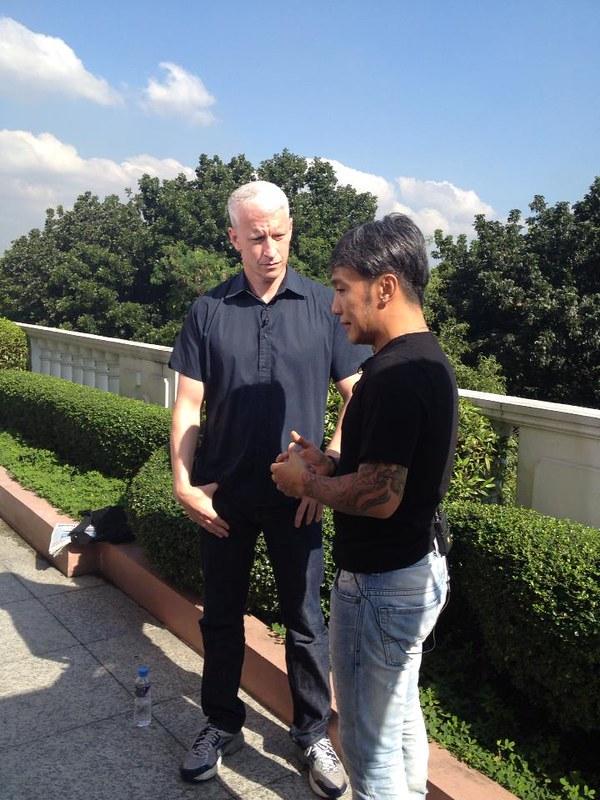 Anderson Cooper interviews Arnel Pineda