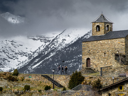 pictures old winter mountains history church nature architecture landscape arquitectura photos roman religion january iglesia kirche chapel paisaje images enero berge 300mm fotos architektur tele invierno romanesque landschaft chapelle historia andorra antic bilder pyrenees januar historie pirineos pirineus architectura paisatge pyrenäen kapelle capilla historisch capella imatges hivern gener vallnord romanesquearchitecture religiousbuilding mfmediumformat esglesiasantcristofoldanyos lamassanaparroquia lutzmeyer lutzlutzmeyercom religiosarquitectura