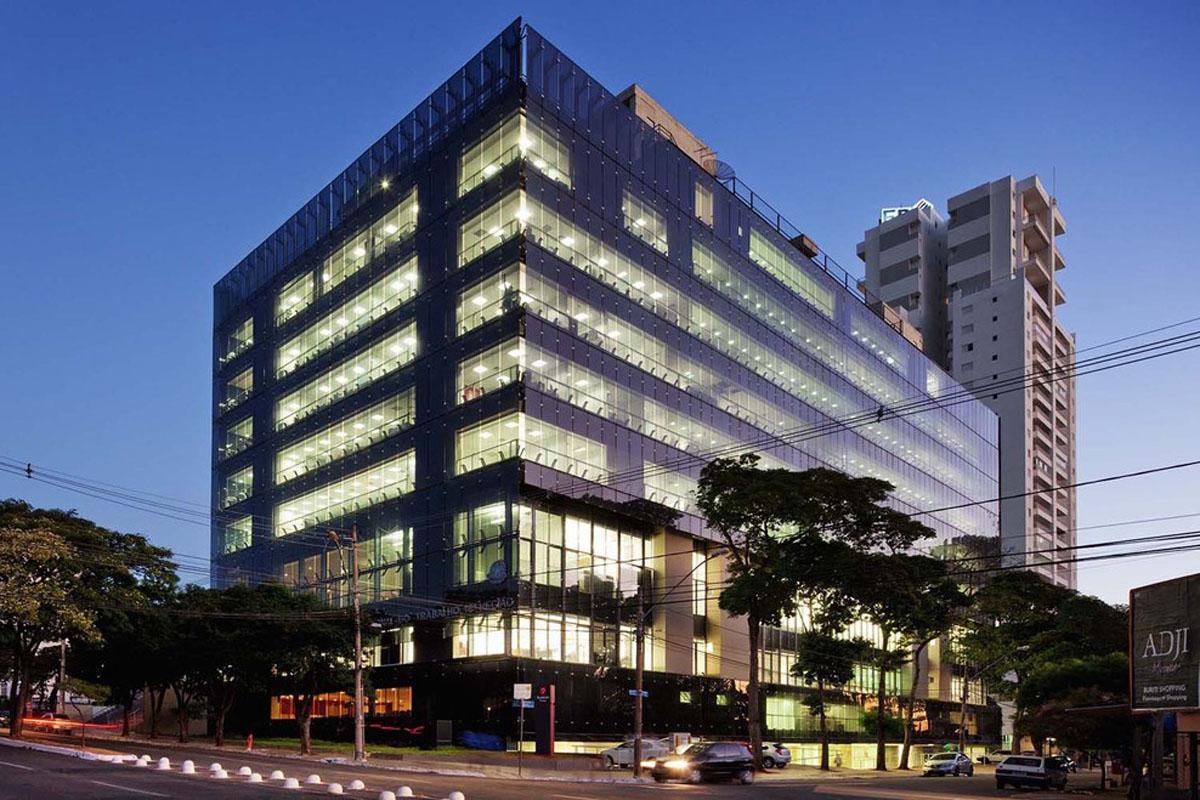 Regional Labor Court design by Corsi Hirano Arquitetos + Reinaldo Nishimura